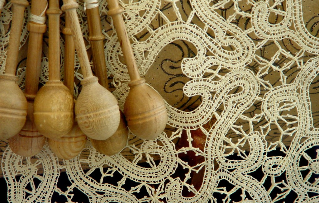 The Meticulous Handcrafted Technique of Bobbin Lace Renda de Bilros handcrafted technique of bobbin lace The Meticulous Handcrafted Technique of Bobbin Lace The Meticulous Handcrafted Technique of Bobbin Lace Renda de Bilros