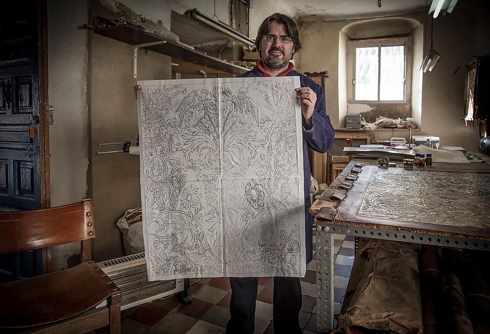 Master Artisans Discover 12 Singular Master Artisans from Europe Homo Faber Craftsmanship Venice Singular Talents Artisans Daniel Lopez Obrero ENGRAVED AND EMBOSSED LEATHER