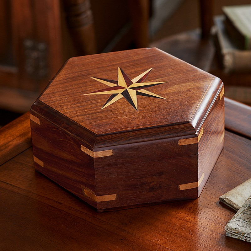 Dicovering the Ancient Art of Marquetry craftsmanship artisan box ancient art of marquetry Discovering the Ancient Art of Marquetry Dicovering the Ancient Art of Marquetry craftsmanship artisan box