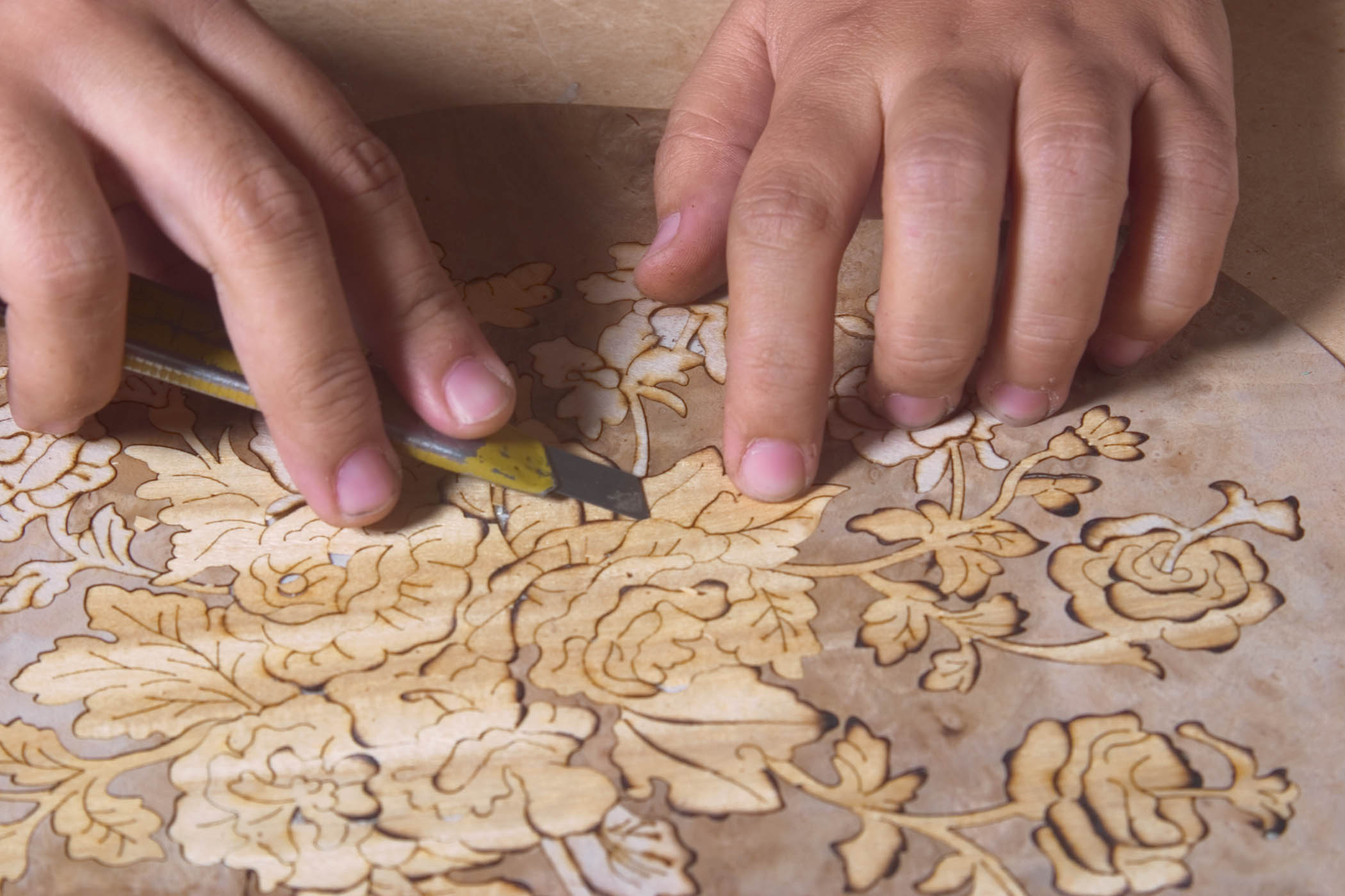 Dicovering the Ancient Art of Marquetry craftsmanship artisan hands ancient art of marquetry Discovering the Ancient Art of Marquetry Dicovering the Ancient Art of Marquetry craftsmanship artisan hands