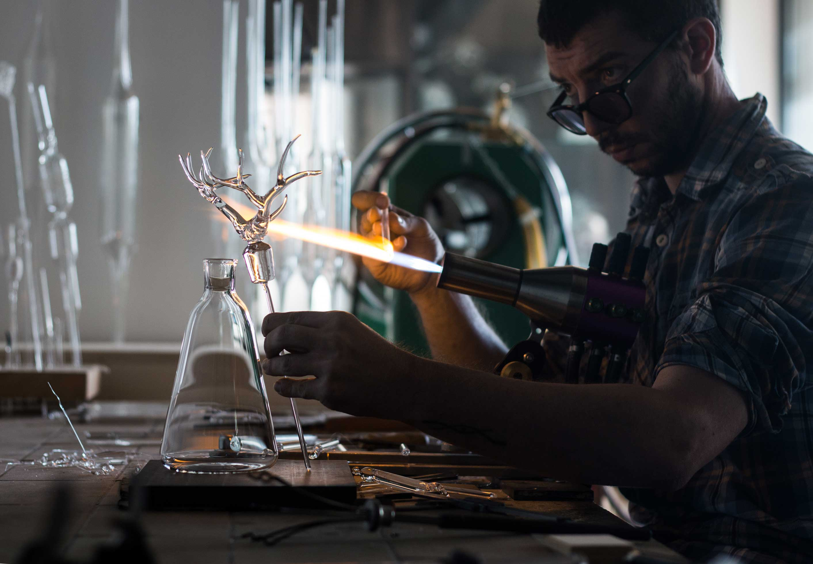 The Best of Glassworking Art: Simone Crestani glassworking The Best of Glassworking Art: Simone Crestani Simone Crestani at work