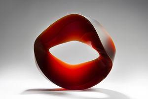 Best of international glass artwork at The salon Art+Design,NY j. lohmann gallery New J. Lohmann Gallery 's Collectible Designs at The Salon Art+Design Hike Brachlow Innuendo 2018