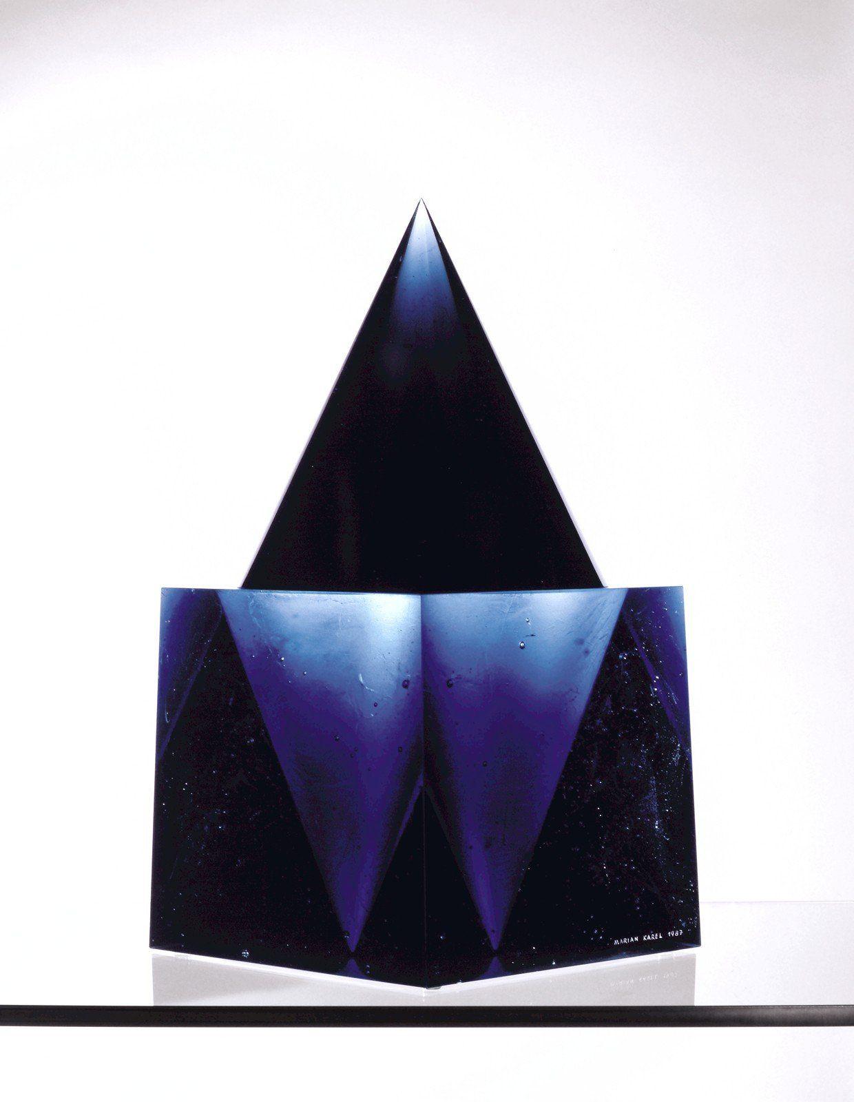 The Best of Glass Art: Marian Karel glass sculpture The Best of Glass Sculpture Art: Marian Karel Marian Karel Blue Cone