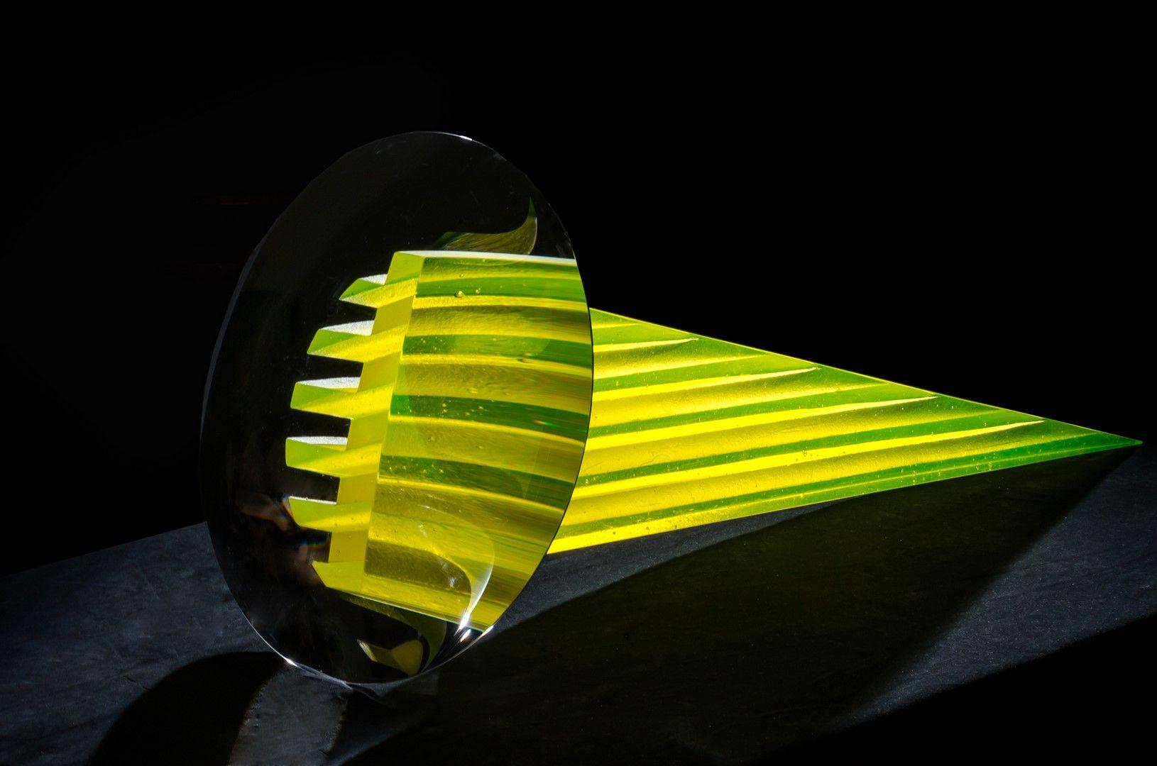 The Best of Glass Sculpture Art - Štepán Pala - Curved Space glass sculpture The Best of Glass Sculpture Art: Štepán Pala The Best of Glass Art   tep  n Pala Curved Space