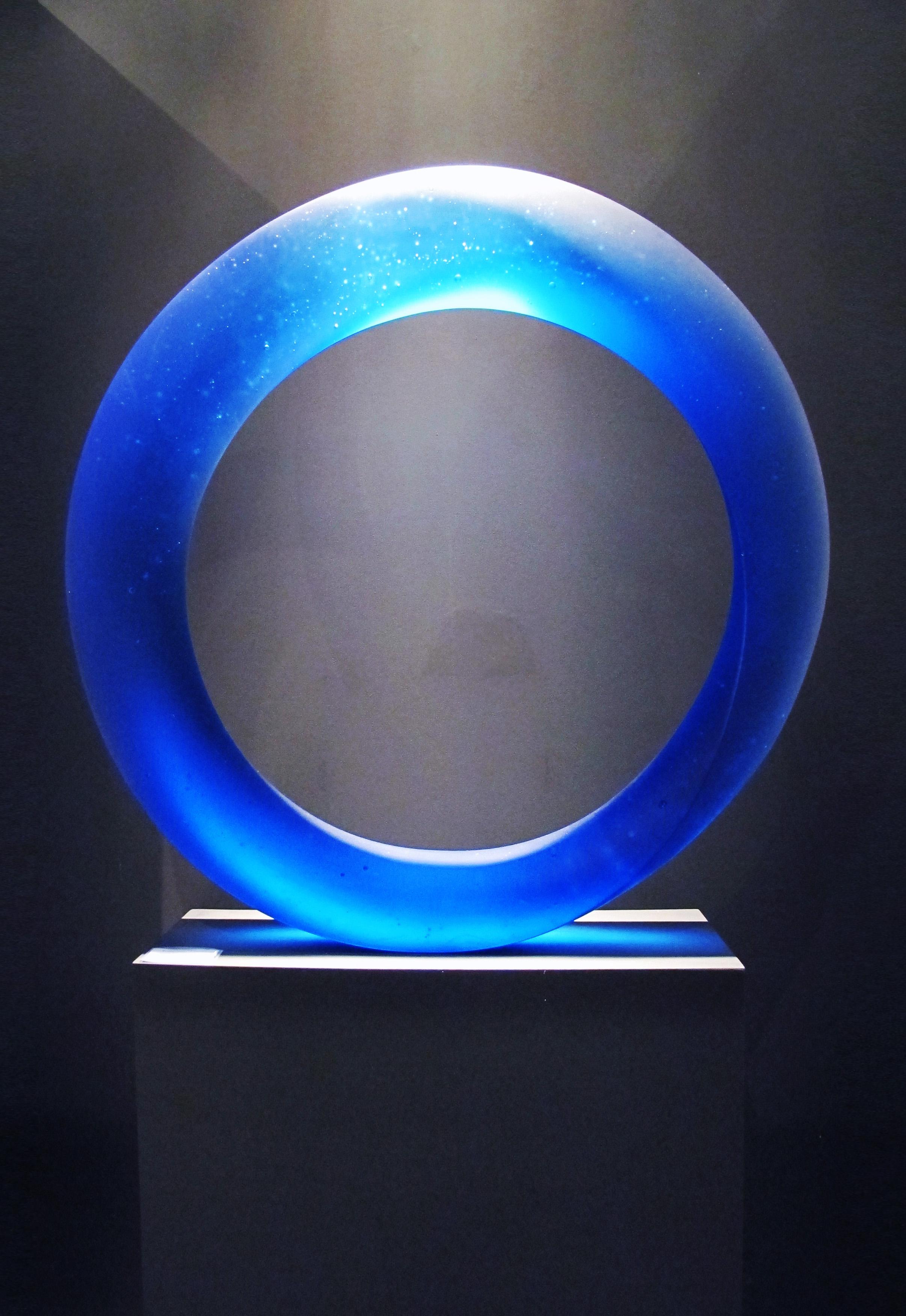 The Best of Glass Art - Štepán Pala - Infinity Blue glass sculpture The Best of Glass Sculpture Art: Štepán Pala The Best of Glass Art   tep  n Pala Infinity Blue