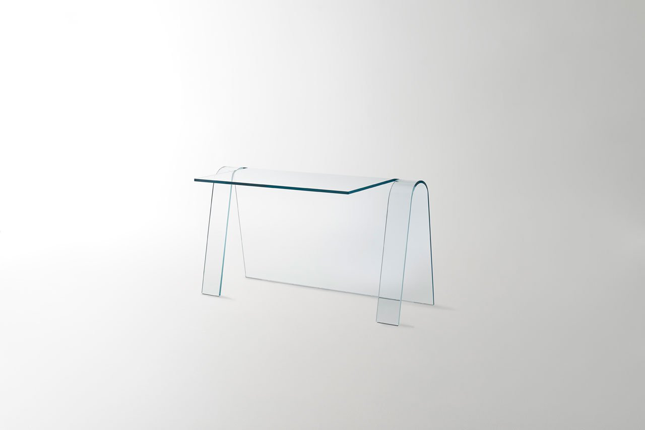 Are You Ready for Salone del Mobile Milano isaloni 2019 - FOLIO glass desk isaloni 2019 Are You Ready for Salone del Mobile Milano – iSaloni 2019? Are You Ready for Salone del Mobile Milano 2019 FOLIO glass desk