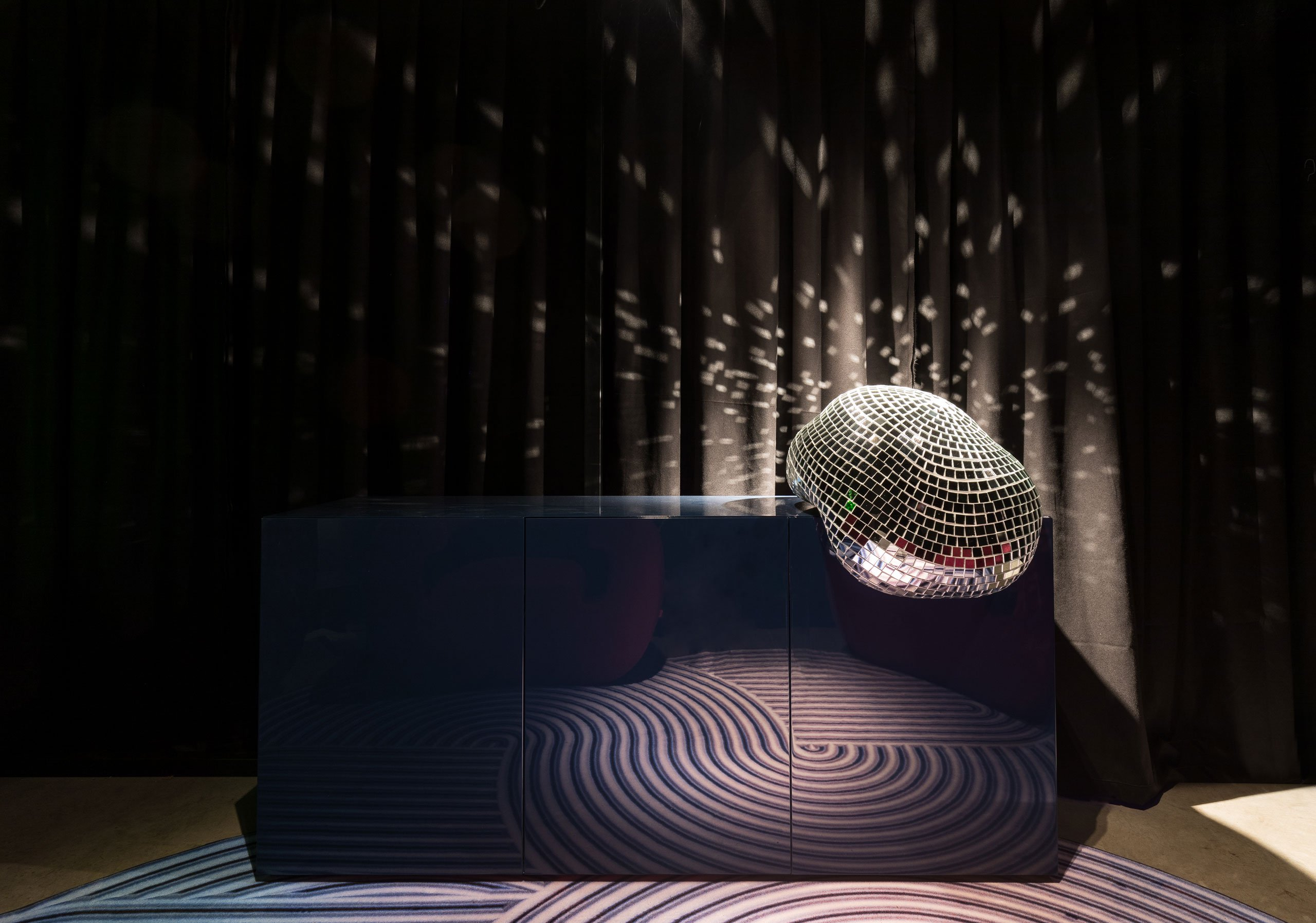 Do You Want to be in the Spotlight at Milan Design 2019 - After Party cabinet by ROTGANZEN for the Disco Gufram series. Photo by Delfino Sisto Legnani e Marco Cappelletti. milan design week Do You Want to be in the Spotlight at Milan Design Week 2019? Do You Want to be in the Spotlight at Milan Design 2019 After Party cabinet by ROTGANZEN for the Disco Gufram series
