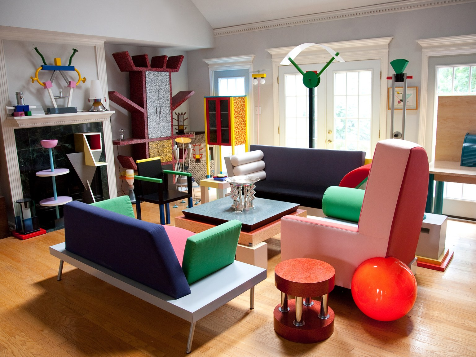 craftsmanship Behind the Scenes: Get Inspired by the Italian Craftsmanship The Most Exquisite Italian Craftsmanship Memphis Design Living Room Ettore Sottsass
