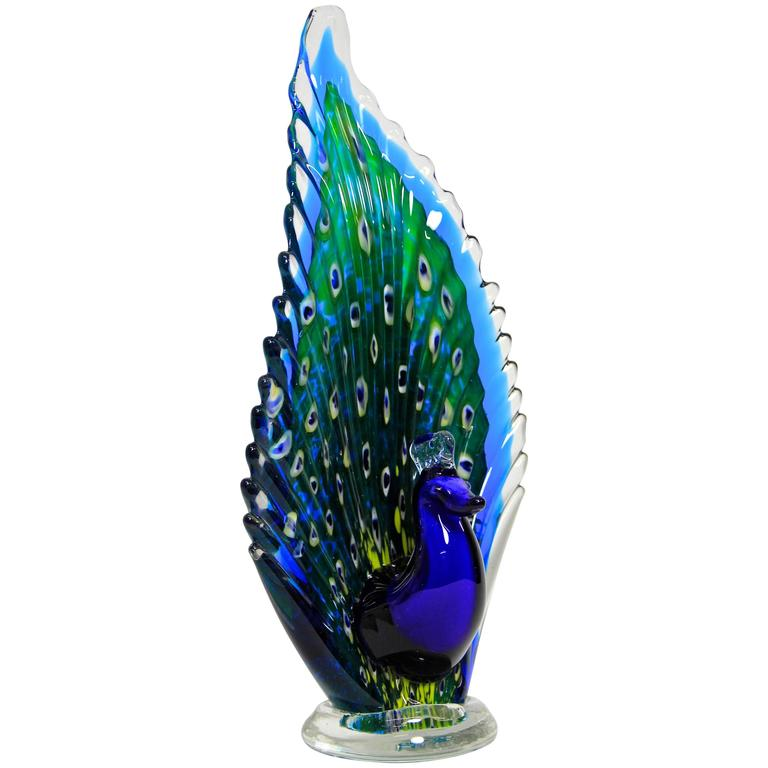 The Wonders of The Italian Arts and Crafts: Behind The Scenes craftsmanship Behind the Scenes: Get Inspired by the Italian Craftsmanship The Most Exquisite Italian Craftsmanship Murano Glass Peacock