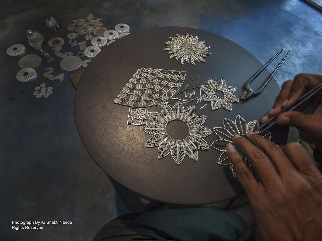 The Secrets of the Precious Filigrana Art Origin - Takarashi Filigree The Secrets of the Precious Filigree Art: Origin The Secrets of the Precious Filigrana Art Origin Takarashi