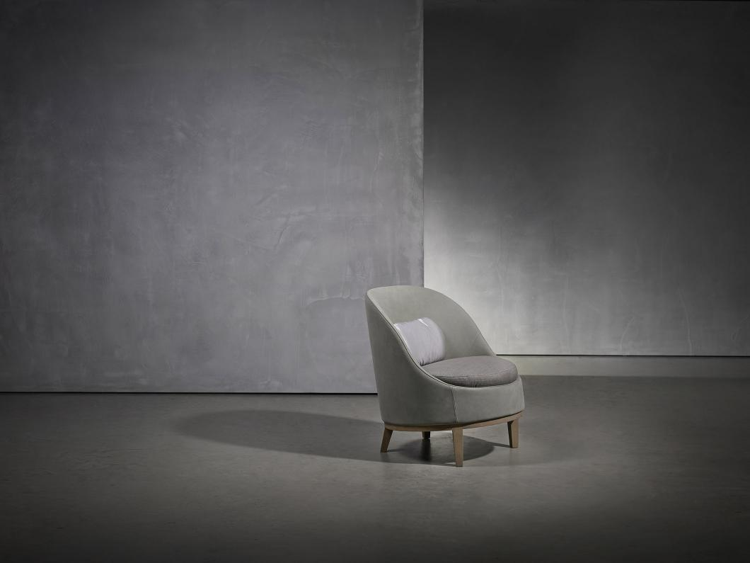 isaloni 2019 Exquisite New Furniture Collection by Studio Piet Boon - Belle Armchair isaloni 2019 iSaloni 2019: Exquisite New Furniture Collection by Studio Piet Boon isaloni 2019 Exquisite New Furniture Collection by Studio Piet Boon Belle Armchair