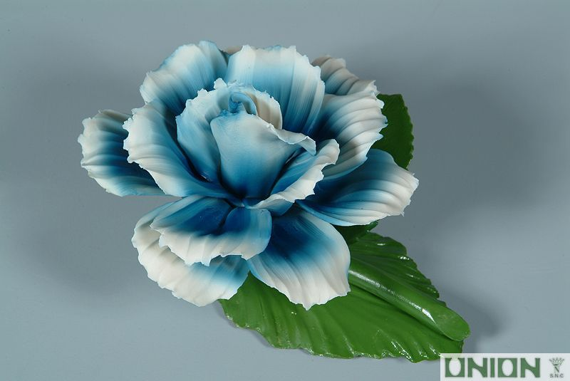 iSaloni 2019 Union Porcelain's Delicate Floral Craftsmanship Wonders - Blue isaloni 2019 iSaloni 2019: Union Porcelain's Delicate Floral Craftsmanship Wonders iSaloni 2019 Union Porcelains Delicate Floral Craftsmanship Wonders Blue